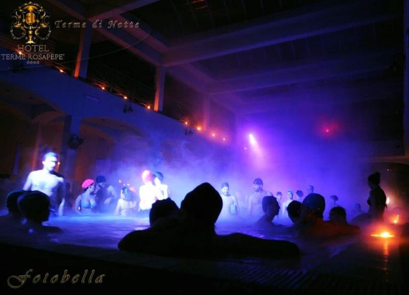 Terme di notte party in piscina a contursi terme 2016 for Party in piscina