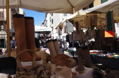 Mercati e mercatini a torino a torino to 2018 piemonte for Mercatini torino oggi
