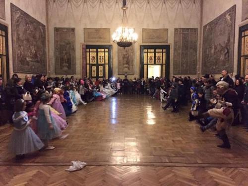 Ballo A Corte - Napoli